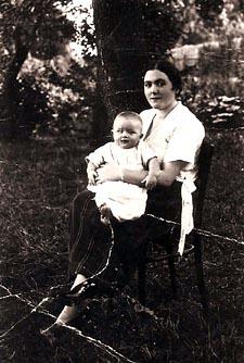 דוד ברטוב ואמו בלומה