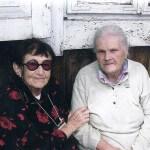 רבקה לפינסקי עם חסידת אומות העולם בביקור בינוב 25/06/2011
